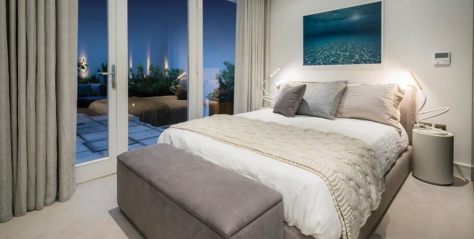 Marine Wharf East bed